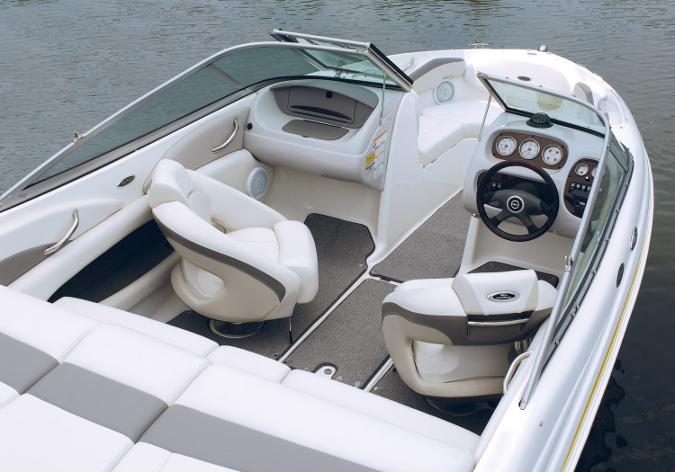 21' Chaparral   Kickin' Back Boat Rentals